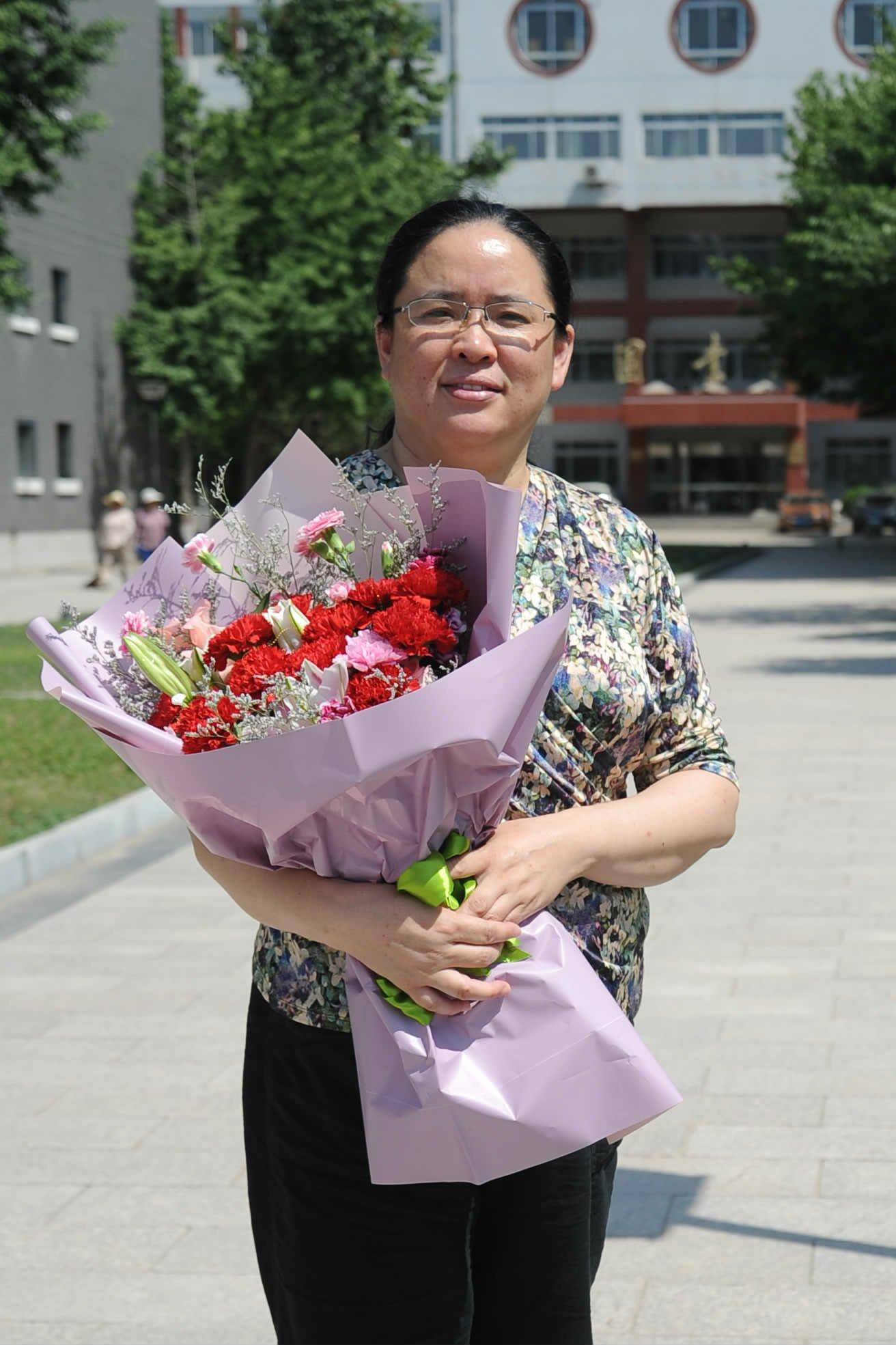 爱心播种硕果累累 汗水浇灌新花绽放-北京石油化工学院校报电子版