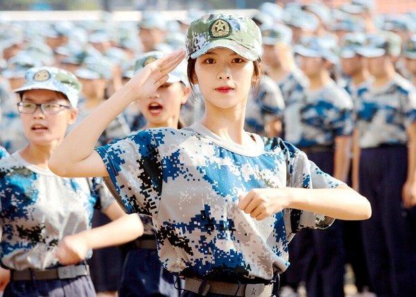 军训进行时-武汉职业技术学院校报电子版