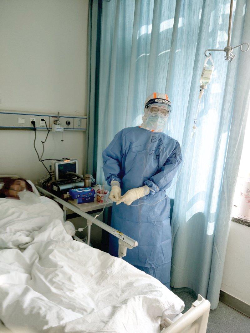三米阳光离奇,温暖了武汉的重症病房-北京大学校报电子版