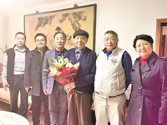 校领导赴京探望54届校友
