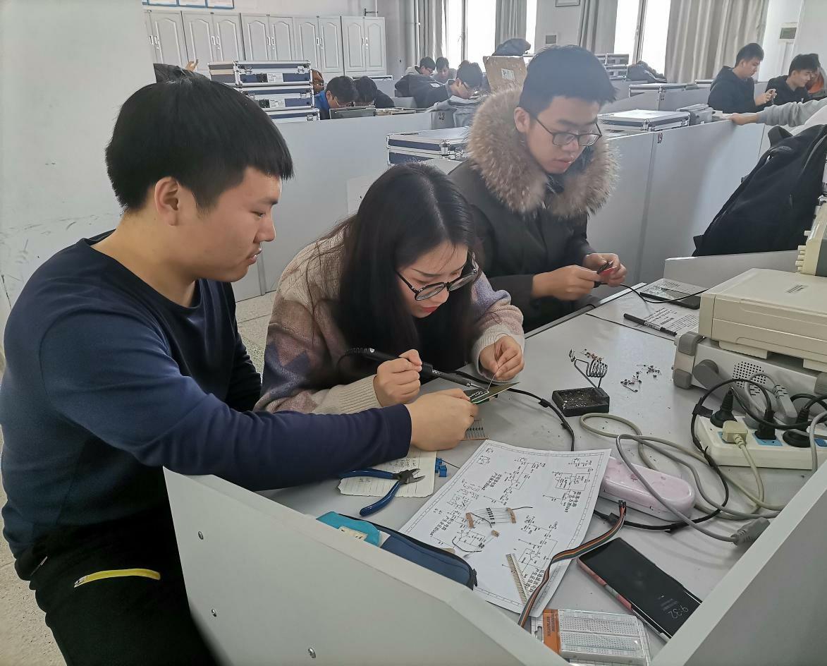 长春工程学院第七届大学生电子设计与技能竞赛成功举办