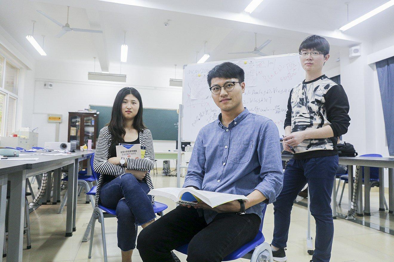 96小 时 完 成 一 场 『战役』― ― 记我院美国大学生数学建模竞赛二等奖获奖团队