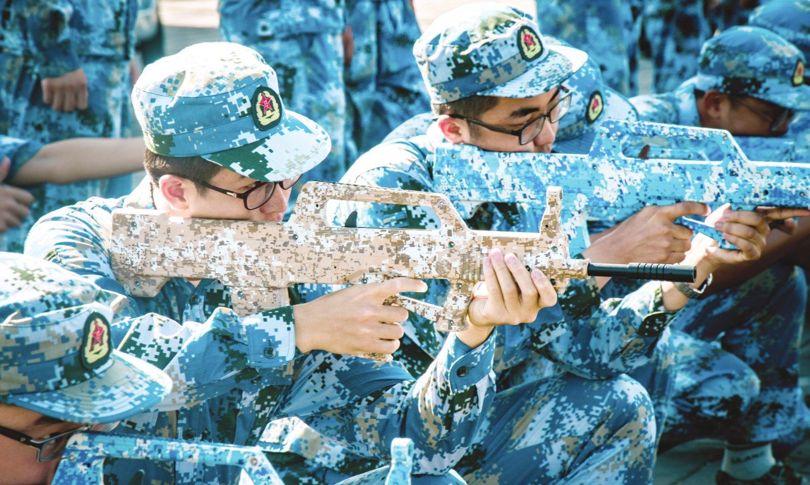 2017年学生军训举行