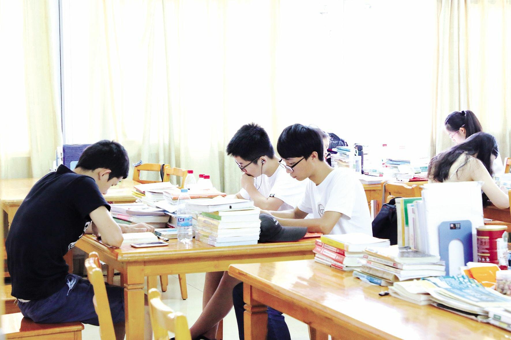 校园学习氛围浓